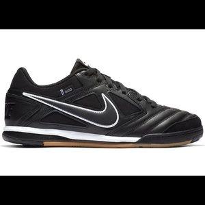 Nike SB Gato Black White Gum